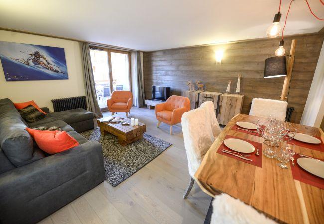 Apartment in L'Alpe d'Huez - Apprt H12 Cosy Centre Alpe d'Huez