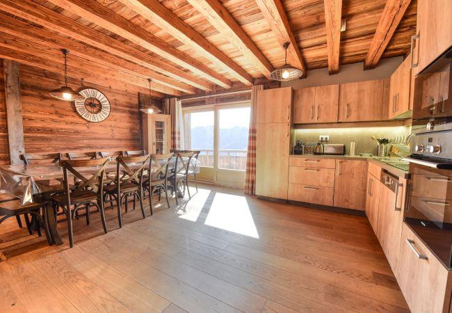 Villa in L'Alpe d'Huez - Chalet Authentique des Ribotiers